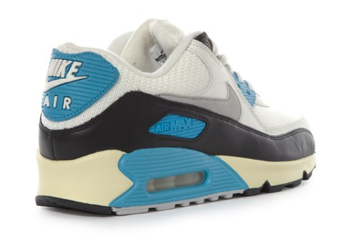 NIKE AIR MAX 90  LASER BLUE  VINTAGE - Trapped Magazine 9d2bf4a560