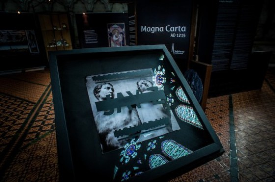 jay-z-magna-carta-holy-grail-cover-art-04-570x378