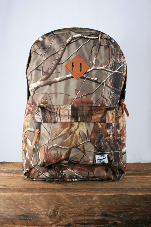 herschel-supply-company-heritage-bag-real-tree-print-1