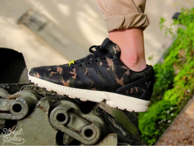 new arrivals 99c61 8dbdc adidas Originals ZX Flux Camo