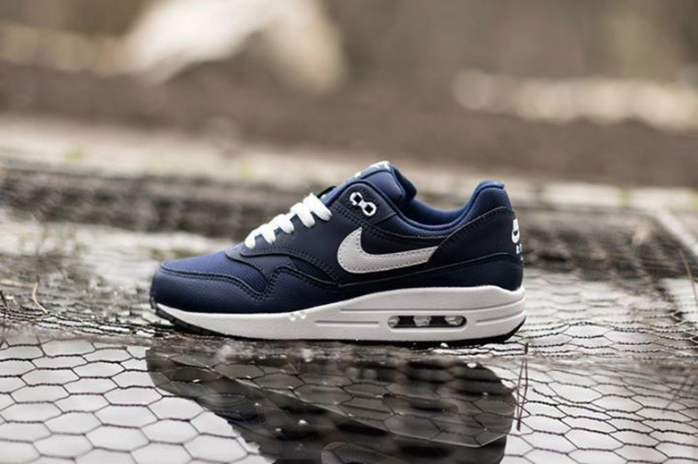 "8c05f558659b Nike Air Max 1 GS ""Midnight Navy Legend Blue"" - Trapped Magazine"