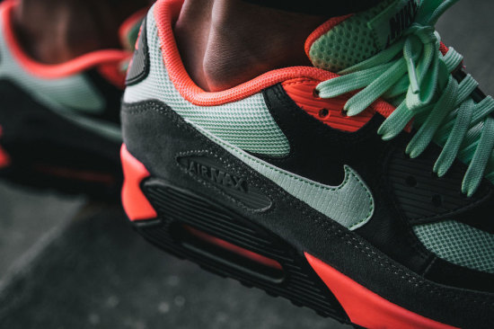 """Nike Air Max 90 Essential """"Vapour"""" Trapped Magazine"""