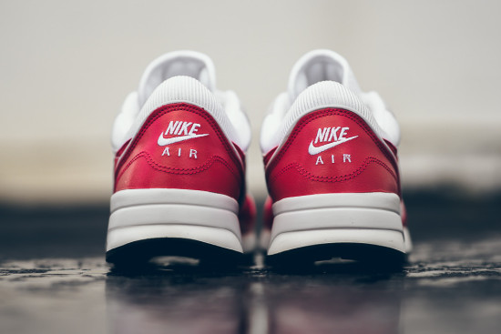 nike-air-odyssey-white-university-red-3