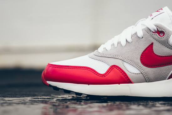 nike-air-odyssey-white-university-red-4