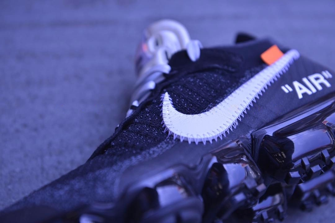 http-hypebeast.comimage201705off-white-nike-air-vapormax-closer-look-3