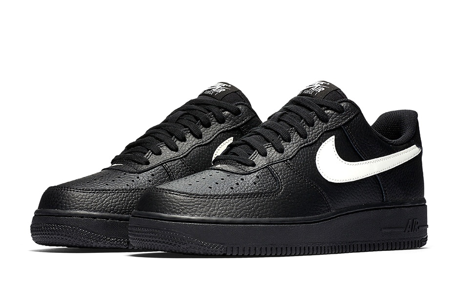 nike air force 1 black with white tick